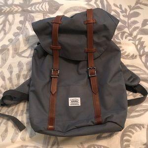 Vintage backpack similar to Hershel backpacks